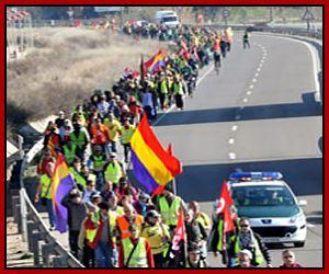 Cientos-de-personas-salen-de-Zaragoza-en-la-Marcha-por-la-Dignidad-hacia-Madrid_opt